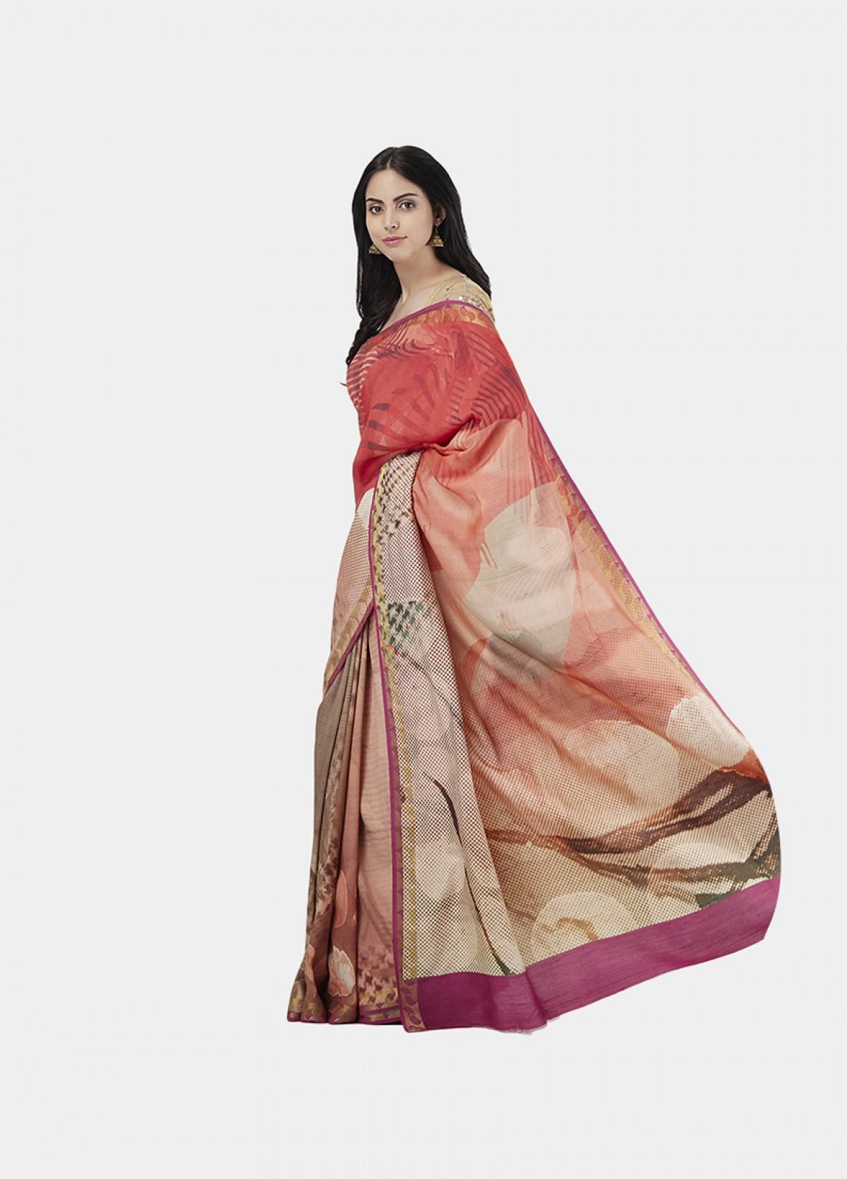 The Traverse Sari
