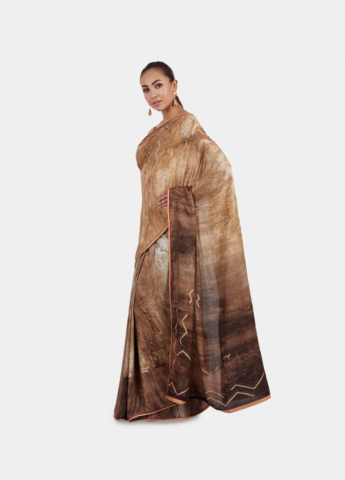The Geometric Haze Sari