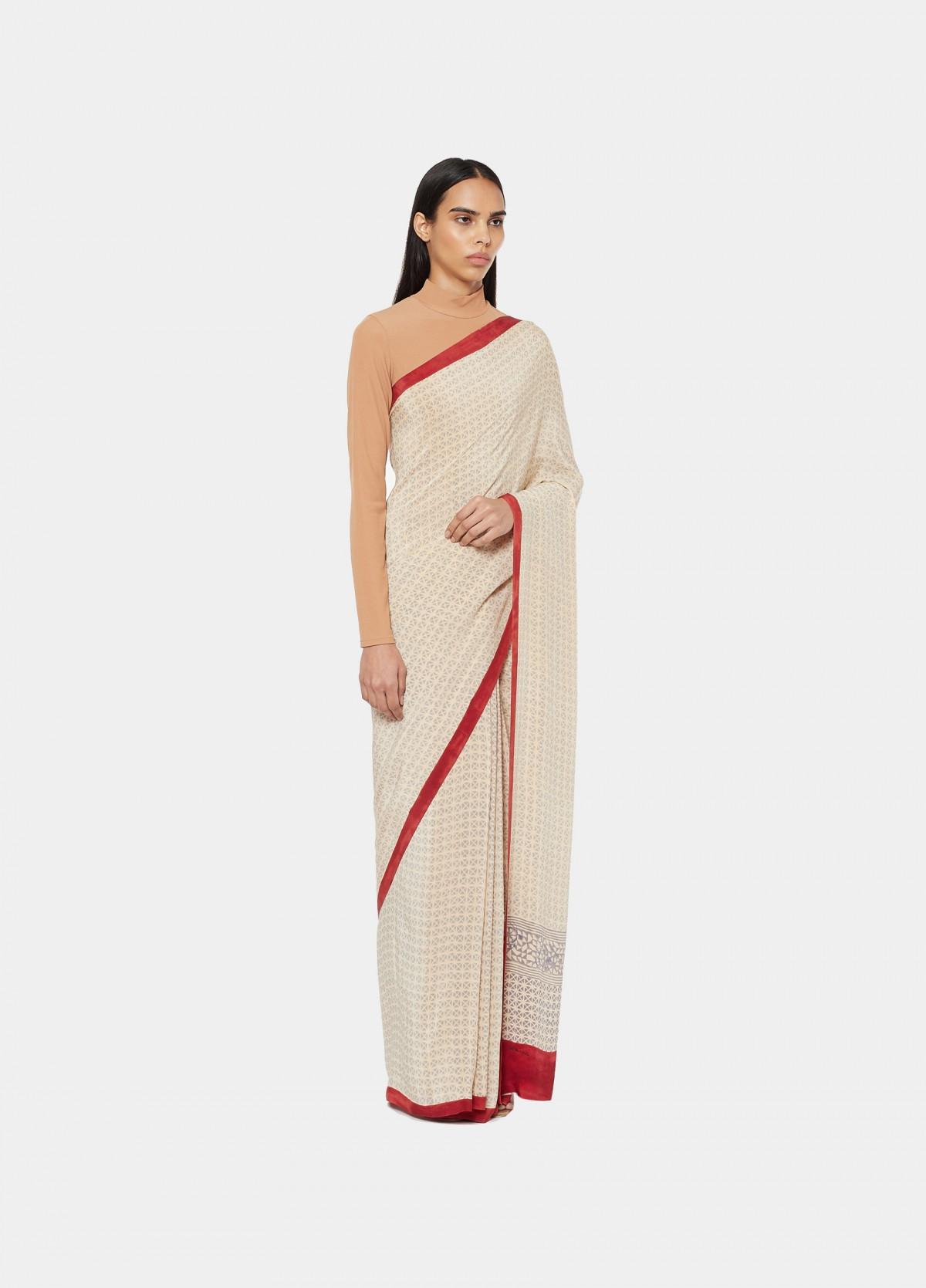 The Taro Sari