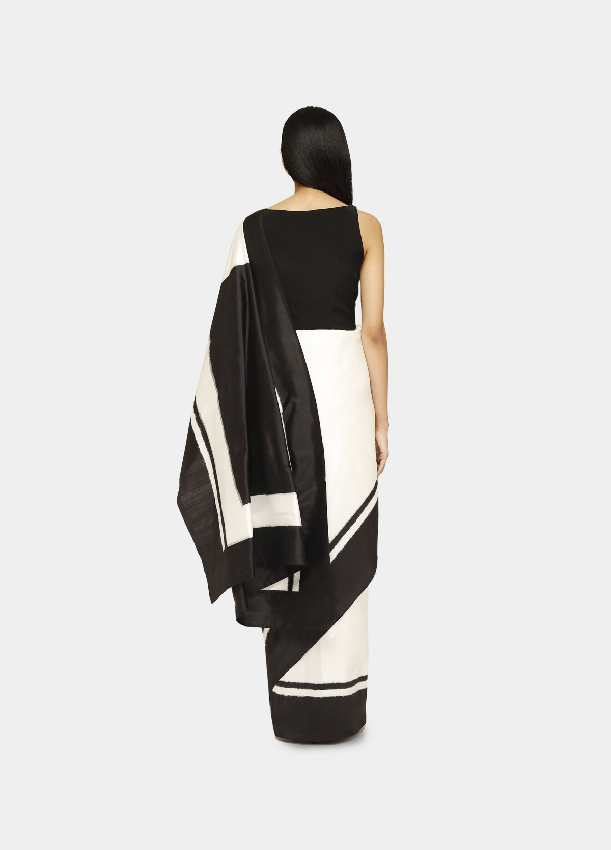 The Shwet Sari