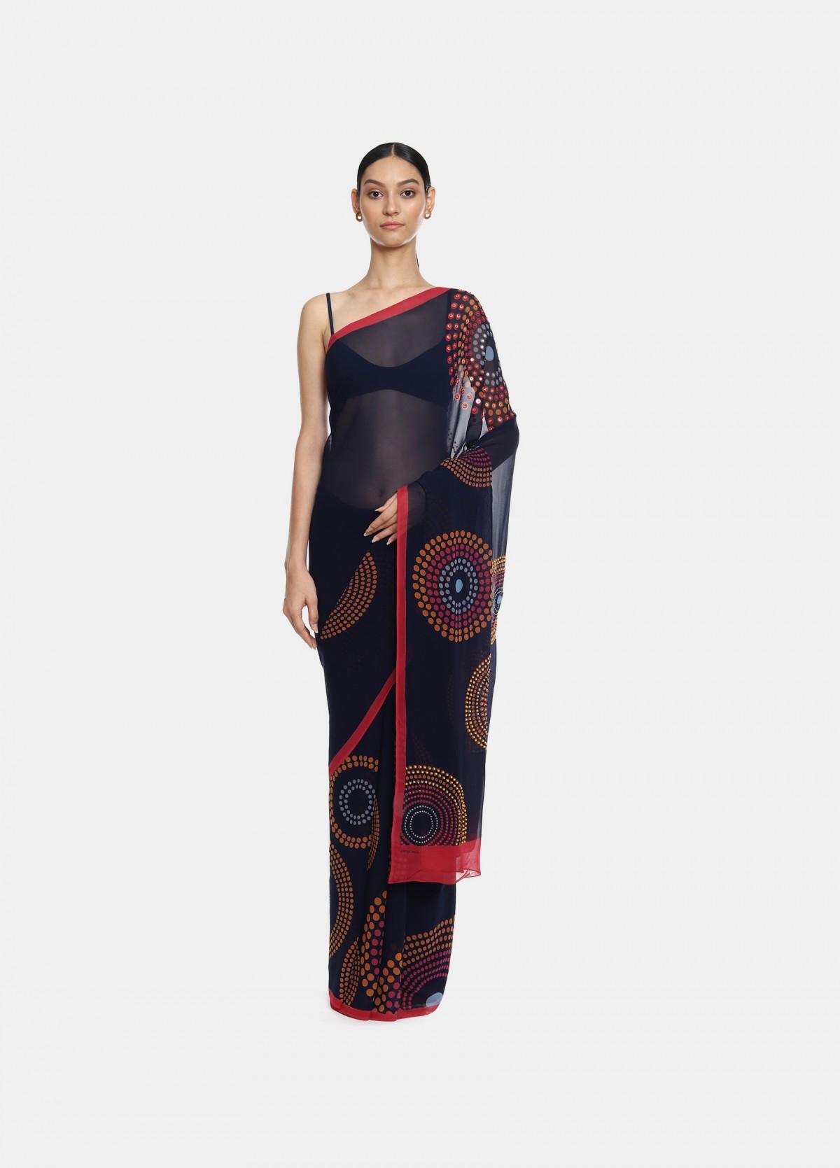 The Layla Sari